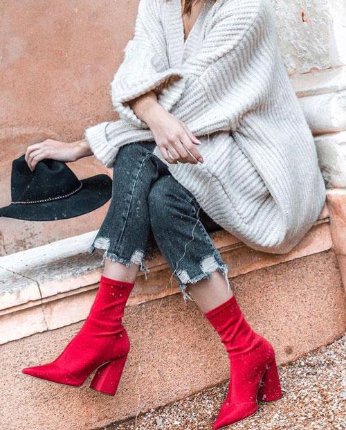 Outfits rojos con botas