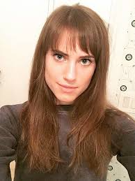 Peinado flequillo Allison Williams
