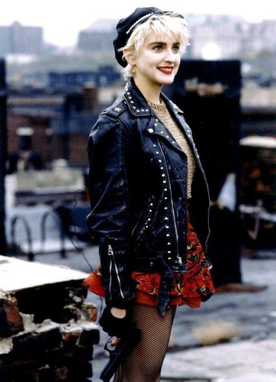 moda años 80 cuero