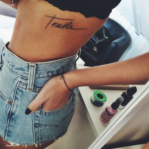 Tatuajes para mujeres pequeños letras