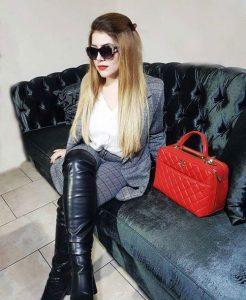 Outfits rojos, bolso rojo