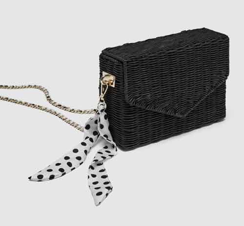 Bolso negro de rafia Zara rebajas
